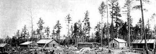 1st_Mining_camp_near_Mountain_Iron_-_1893