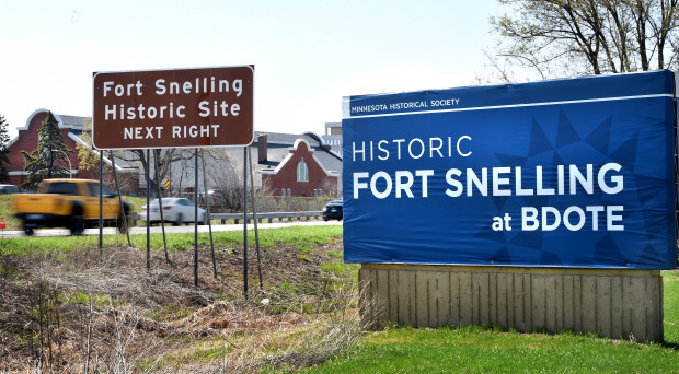 Fort-Snelling-Bdote-sign